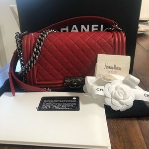 Chanel Boy old medium